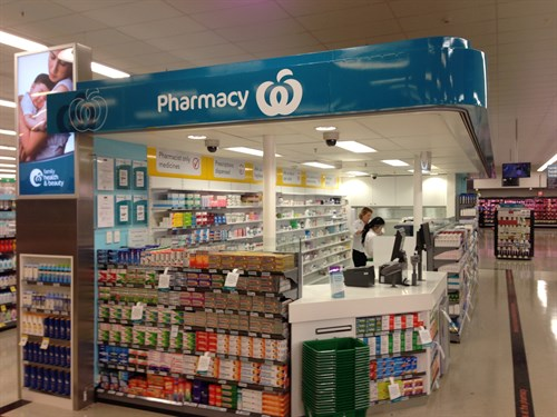 """Note the Woolworths logo - they """"own"""" the complete presentation with no pharmacist identification or evidence of ownership."""
